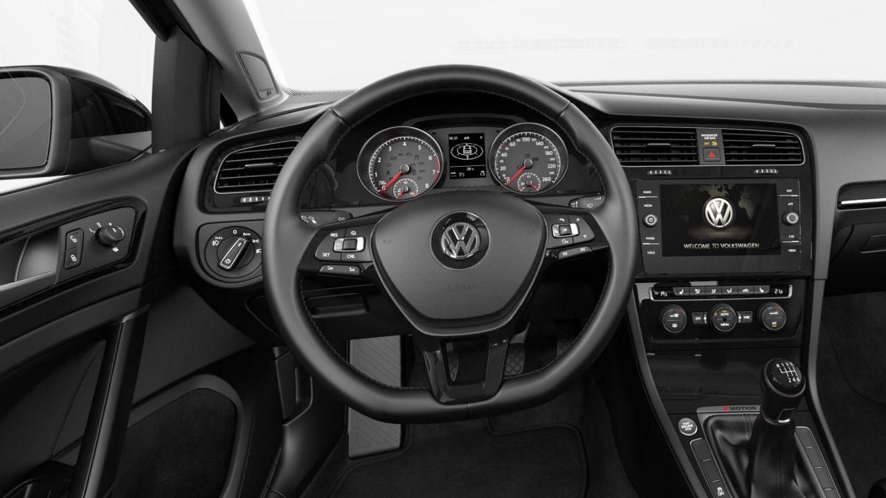Golf Sportwagen with Multifunction steering wheel