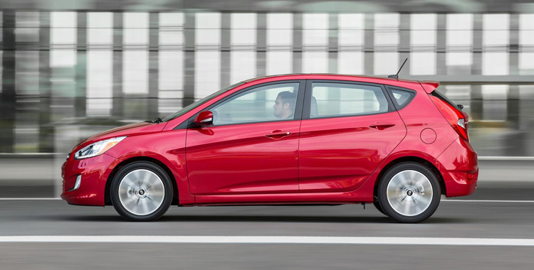 2016-hyundai-accent-model-red-exterior-campbell-river-bc