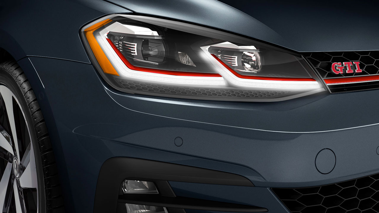 2019 VW Golf GTI - front led headlights