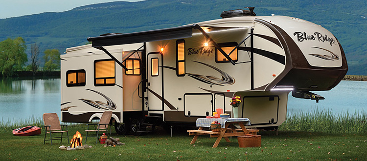 fifth-wheel-trailers-at-harvard-auto-sales