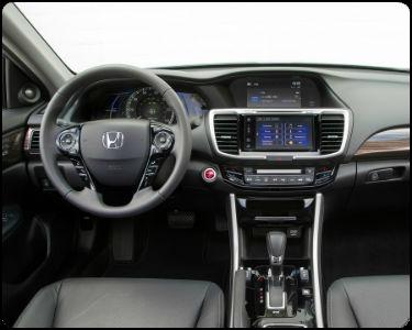 2017 Honda Accord Hybrid vs 2017 Mazda6